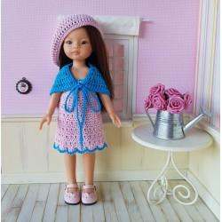 Patron d'une robe, d'un châle et d'un béret au crochet pour poupée
