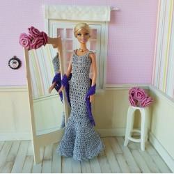 Tenue de soirée pour Barbie composée d'une robe longue et d'une étole