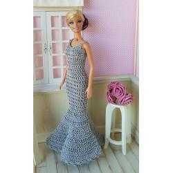 patron de crochet pour réaliser une robe longue pour Barbie