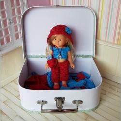 coffret cadeau poupée mini corolline et ses vêtements au crochet