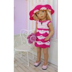 Tenue Lysiane au crochet composée d'une robe et d'un chapeau